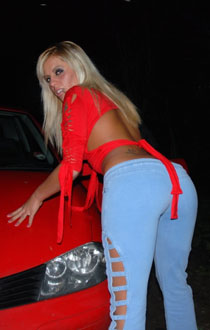 scarlett-march-dogging